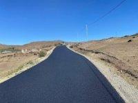 Kars'ta köy yolları sıcak asfalt oluyor