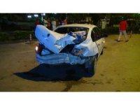 İki otomobil çarpıştı, oğlunu hastaneye götüren sürücü hastanelik oldu