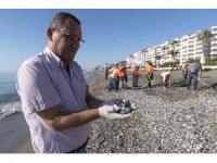 Suriye kaynaklı petrol atıkları bu kez Erdemli'de görüldü