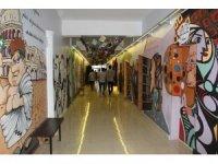 Sanat Sokağı okul koridoruna taşındı