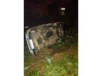 Rize'de kontrolden çıkan kamyonet takla attı: 4 yaralı