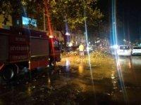 Bursa'da sağanak ve dolu yağışı hayatı felç etti