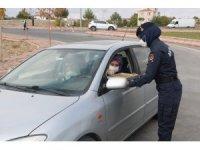 Jandarma'dan vatandaşa baklavalı kandil kutlaması