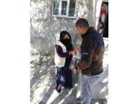 Diyadin'de vatandaşlara kandil simidi dağıtıldı