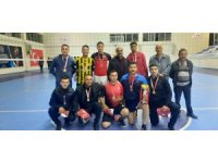Eleşkirt'te kurumlar arası voleybol turnuvası şampiyonu İlçe Jandarma takımı oldu