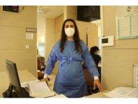 5 aylık hamile hemşire yoğun bakım hastalarının yardımına koşuyor