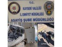 İşyerlerinden hırsızlık yapan 2 kişi tutuklandı