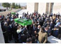 Kazada ölen genç öğretmen son yolculuğuna uğurlandı