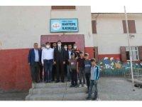 Kaymakam Beşikci, kırsal mahallelerde okul idarecileri ile bir araya geldi