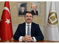 """Vali Memiş: """"Demokrasi zincirinin ilk halkasını oluşturan muhtarlarımızın 19 Ekim günü kutlu olsun"""""""
