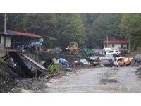 Maden ocağındaki göçükte kalan işçiyi kurtarma çalışması sürüyor