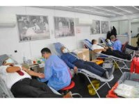 Başkan Akkaya ve belediye personelinden kan bağışı