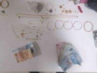 Şehidin evinden hırsızlık yaptığı iddiasıyla 3 şüpheli tutuklandı