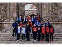 Palandöken Gençlik Merkezi tarafından 'Tarihimizi Görüyoruz' adlı gezi düzenlendi