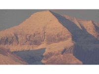 Yüksekova'nın Cilo Dağları beyaza büründü