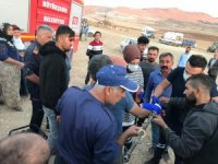 Mardin'de eli tarım makinesi arasına sıkışan gencin yardımına itfaiye yetişti