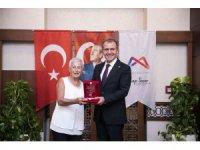 Yumuktepe'ye 28 yılını veren Prof. Isabella Caneva onuruna veda etkinliği