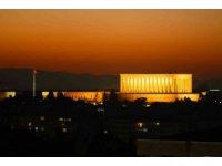 Ankara'da gün batımı ve dolunay manzarası mest etti