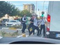 Yolcu otobüsü şoförü trafikte dehşet saçtı