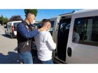 Bin 894 adet uyuşturucu hapla yakalanan bir kişi tutuklandı
