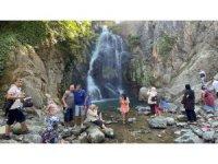 Sudüşen Şelalesi Arap turizminin gözdesi