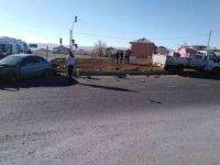 Bingöl'de otomobil ve pikap çarpıştı: 2 yaralı