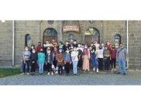 Çocuklar kent tanıtım gezisinde doyasıya eğlendi