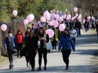 Başkent'te meme kanserine farkındalık için göl kenarında yürüyüş