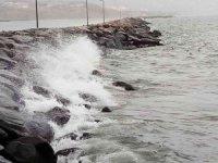 Bandırma'da fırtına etkili oluyor