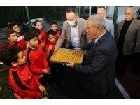 Başkan Demirtaş'tan amatör kulüplere 'tatlı' destek