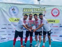 Solhan Ayak Tenisi Takımı ilk şampiyon olarak tarihe geçti