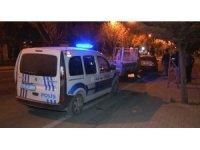 Hırsızlık şüphelisini 10 kilometre kovalayıp polise teslim ettiler