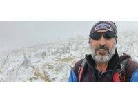 Türkiye'nin tek solo alpinisti Erdek Cennet, Akdağ'ın zirvesine tırmandı