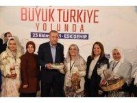 Cumhurbaşkanı Erdoğan İnönü'nün meşhur bal, kaymak ve yoğurdunu çok beğendi