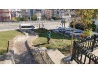 Kuşadası parklarında sonbahar temizliği