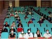 FÜ Hastanesi sekreterlerine hasta ve hasta yakınları ile iletişim eğitimi