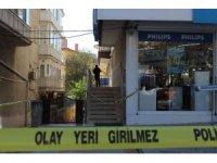 Ankara'da bir emekli astsubay eşini vurup ardından intihar etti