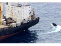 Gine Körfezi'nde yük gemisini ele geçirmek isteyen korsanlara Rus savaş gemisi müdahale etti