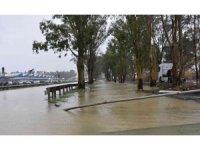 İtalya'daki sel felaketi: 2 ölü