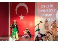 Gaziantep Kolej Vakfı'nı Cumhuriyet coşkusu sardı
