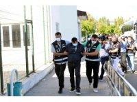 Tutuklanan milli eğitim müdürü 1 kilo altınla yakalanmış