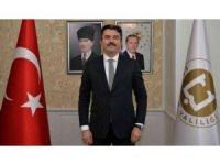 """Vali Memiş: """"Temellerinin Erzurum'da atıldığı Cumhuriyet Bayramımızı büyük bir onur ve coşkuyla kutlamaktayız"""""""