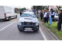 Kontrolden çıkan kamyonet karşı şeride geçip takla attı: 2 yaralı