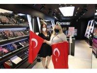 2 bin Türk Bayrağı dağıtıldı