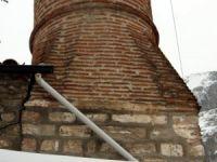 Tarihi minareye Karadeniz usulü çözüm