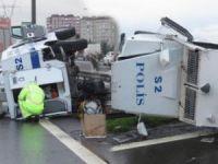 Zırhlı polis aracı kaza yaptı: 2 yaralı