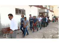 Balıkesir polisinden göçmen kaçakçılığı operasyonları