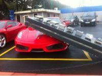 Şiddetli lodos Ferrari'yi çizdi