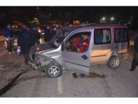 Hatalı Sollama Kaza Getirdi: 2 Yaralı
