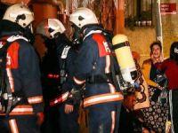 Zeytinburnu'nda ev yangını: 2 ölü